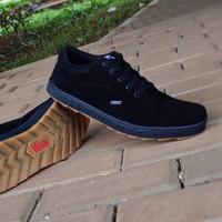 sepatu sekolah Vans hitam polos sol gum sneaker full black gum murah