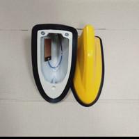 Sirip antena hiu mobil warna kuning