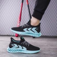 Sepatu Pria Terbaru Casual Sneakers Sepatu Cowok Trendy Sepatu Running