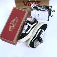 Sepatu pria sneakers vans old school og black white premium waffle dt