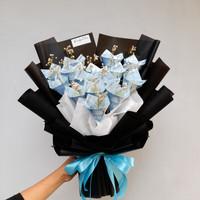 buket uang asli 700 dengan bunga kering