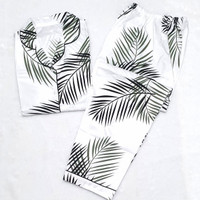 Baju Tidur Piyama Wanita Jumbo / Baju Tidur Piyama Wanita Motif Daun - Putih