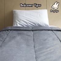 bed cover tipis/selimut 150x220 cm abu motif embos ukir warna abu