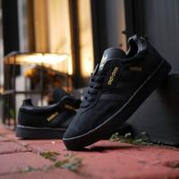 adidas gazelle full black sepatu casual pria original
