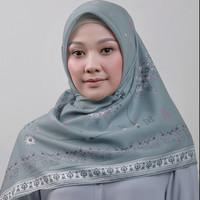 Zoya Hanuma Scarf - Hijab Kerudung Segi Empat - Cream