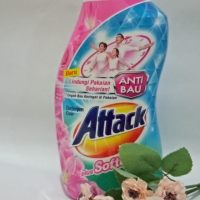 Attack deterjen cair plus softener 1 ltr untuk mesin cuci
