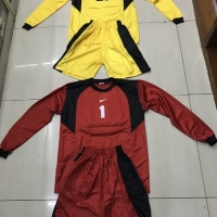 Kaos baju kiper dewasa sepak bola dan futsal bahan salur