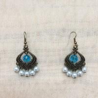 Anting-Anting Light Grey Pearl dan Mote Biru
