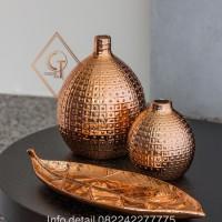 Vas bunga - hiasan meja - vas bunga tembaga - guci tembaga