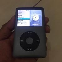 Ipod classic 7 120GB like new