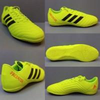 Sepatu futsal Adidas predator komponen hijau stabilo untuk cowok