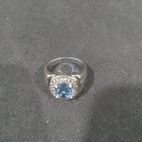 Cincin emas putih batu blue safir