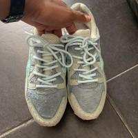 Sepatu asisc gel lite V