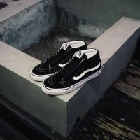 Sepatu Sneakers Vans Sk8 Mid Reissue Black White