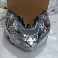 REFLEKTOR / HEADLAMP HONDA VARIO TECHNO 125 / 150 PLUS LED MERK WIN