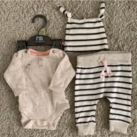 Preloved - Mothercare Original Baju Bayi Set Unisex Brwn Salur Newborn