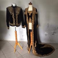 Set baju pengantin adat jawa beskap hewes dan kebaya ekor bludru hitam