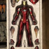 Hot Toys Iron Man Mark 46 BIB