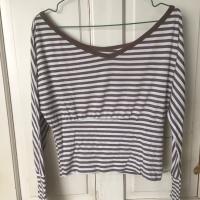 Kaos V lebar garis-garis coklat / Brown stripes V neck T-shirt