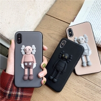 Casing Soft Case iPhone x DESAIN KAWS (TIMBUL)