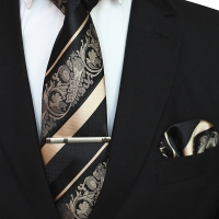 Set tie gold muda dasi panjang batik, pocket square, jepit dasi box