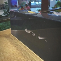 Apple Watch Series 4 44mm Space Grey Nike+ Sport Band   Greenpeel