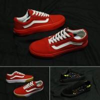 Sepatu vans merah or hitam untuk pria