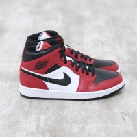 Air Jordan 1 Mid Chicago Black Toe 100% Authentic