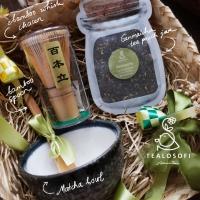 Matcha Japanese Gift Set - Tealosofi Bamboo Whisk Chasen Hampers Kado