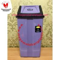 Tempat Sampah 42 Ltr (Tutup Goyang)
