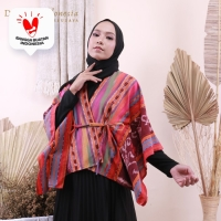 Outer Kimono Etnik Tenun Ikat Adriana Dakara Indonesia