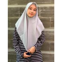 Saudia Jilbab Hijab Abu Misty Silver Segiempat Kerudung Rawis Voal Squ