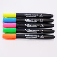 Artline Supreme Glow glows under uv light glow