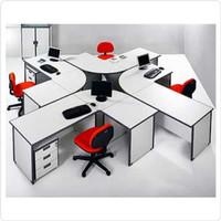 Meja Kerja Staff Kantor Eksklusif 4 Orang Bentuk Model L Laci Dorong