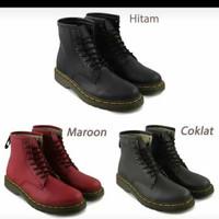 Ready Stock promo Sepatu safety boots docmart