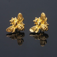 II SUP 1 Pair Cute Tiny Honey Bee Stud Earrings Insect Bumble Bee