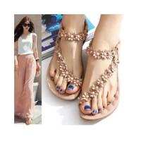 Sepatu Sandal Flat Wanita Model T-Strap Motif Bunga Bohemian Casual un