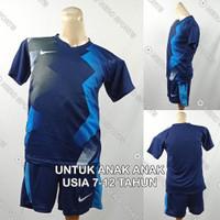 Setelan Baju/Kaos Sepak Bola/Futsal Dri-Fit Print Anak Nike NK146 1