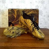 Sepatu Bola Specs Barricada Ultra LE FG Emperor Gold Black Original