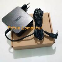 Power Adaptor Charger Asus X302 X302LA X302UV X302UJ 19V 3.42A Origina