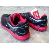 Sepatu Running Spotec DYNAMO black/red