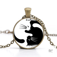 Kalung Rantai Bandul Kucing Hitam Putih Unik Simple untuk Wanita