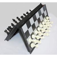 Permainan Papan Catur Magnet Folding Chessboard - Black White