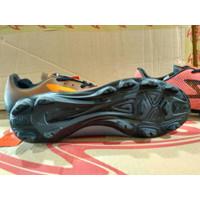 SALE Size 43 Sepatu Bola Specs Accelerator Infinity FG Emperor Red