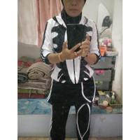 Baju Olahraga Muslim Panjang Hijab Putih Lapangan Aerobik Hitam Senam
