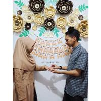 Tahun Tunangan backdrop TERMURAH wedding Paper ulang ONGKIR dll Flower