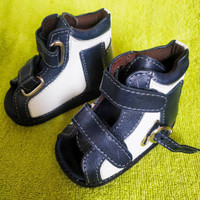 Dijual Sepatu orthopedi kaki datar -Sepatu koreksi flat foot Murah