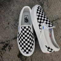 Sepatu catur wanita slip Vans putih pria authentic hitam kotak motif o