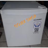 KULKAS MINI PORTABLE / MINI BAR / LEMARI ES SHARP SJ - 50 MB WHITE /