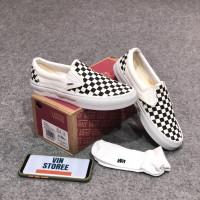 sepatu vans slip on OG checkerboard white black premium kotak kotak